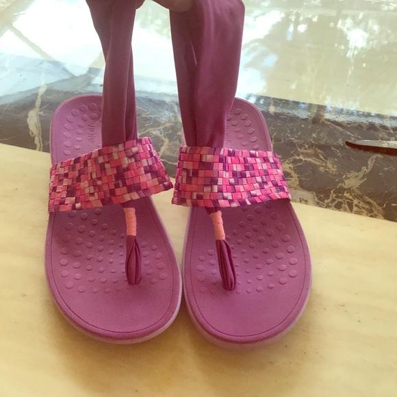 6550ff5a6981 Orthoheel Vionic sling sandals in Berry! M 5b0842d236b9de27134688df